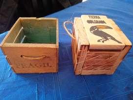 Dos cajitas usadas - madera maceteritos