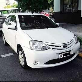 Toyota Etios XS 2016 Hatchback Motor 1.5 Blanco 6TM Único Dueño Excelente Estado