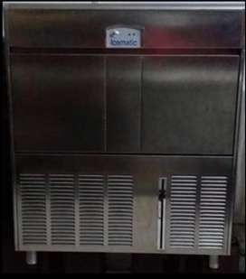 Se vende cubicadora de Hielo