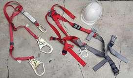 Arnes, casco y eslinga de posicionamiento