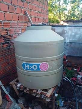 Tanque de agua de 1000 primera marca sin uso