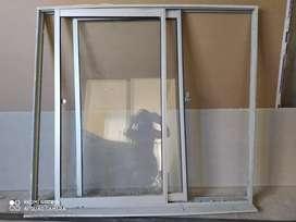 Ventana en aluminio//Medidas: 100 alto *110ancho cm