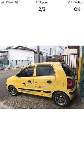 Vendo taxi hiunday atos modelo 2008 . Con seguros nuevos tarjeta , cupo metropolitano en buenas condiciones