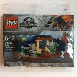 Lego Jurassic World Velociraptor en corral bolsa de polietileno