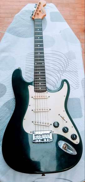 Guitarra Squier Bullet by Fender