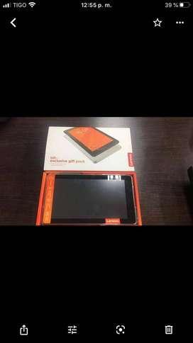 NUEVA !!! OFERTA Tablet Lenovo TAB exclucive pack  Red Inalámbrica 3G, Procesador Quad-Core(1.30 GHz), Memoria RAM de 1G