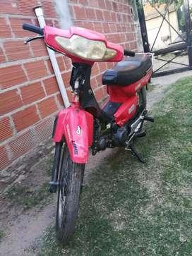 Vendo o permuto por algo de mi interés moto Motomel 70 cc tiene todos los papeles funcionando en perfecto estado