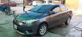 Toyota yaris 1.3 Gli xl  dual 2015 full equipo