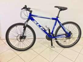 Vendo Bicicleta deportiva SLP 50PRO rodado 26