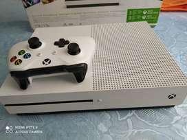 Se vende Xbox one s 2 meses de uso