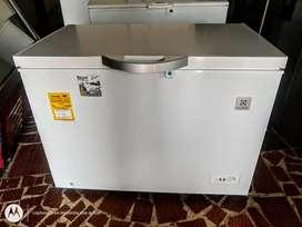 Vendo hermoso tanque congelador electrolux como nuevo 0 detalles en perfecto estado 380 litros