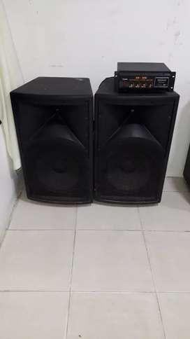 """Cabinas audiokinb de 15"""" con máquina amplificadora"""