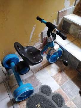 Triciclo con luces y sonido