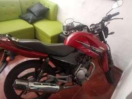 Vendo moto ybr 2014