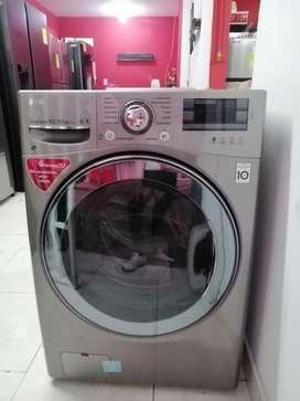 Remate lavadora secadora marca LG carga frontal de exhibición de almacenes.