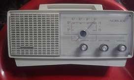 Radio Retro Noblex Fabulino Modelo NT117A Eléctrica Decada Años 1970