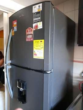 Nevera mabe 300 litros 1 mes de uso