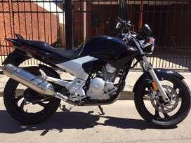 Yamaha YS 250 2011 No permuto solo efectivo