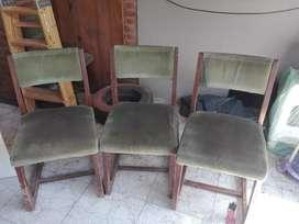 Vendo juego de 6 sillas.
