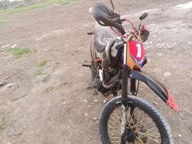 Vendo hermosa moto tundra 2015 Aldia con deuda