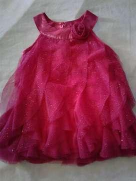 Vestido de niña nuevo para 18 meses color fuscia