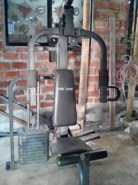 Vendo máquina para realizar ejercicios completa