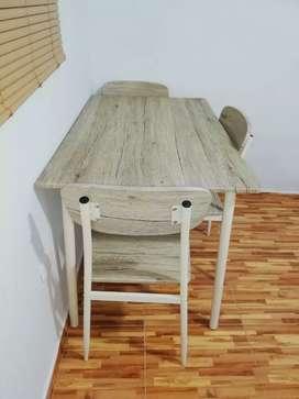 Juego de Comedor 4 sillas como nuevo!!