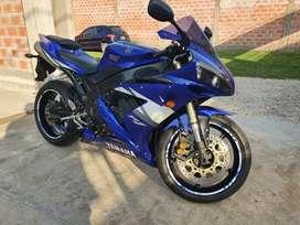 Yamaha R1 inmaculado
