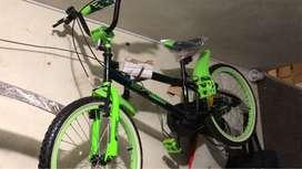 Bicicleta nueva color verde
