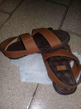 Vendo sandalia NUEVA para varón!