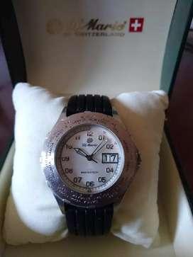 Reloj DMario suizo