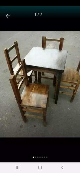Vendo casi regaladas mesas y sillas en madera
