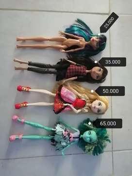 Monster High y Ever After Usadas