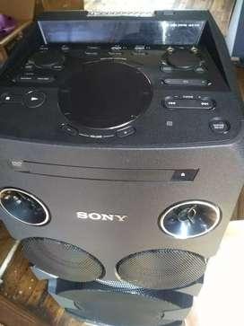 Vendo mescladora y reproductor de música Sony