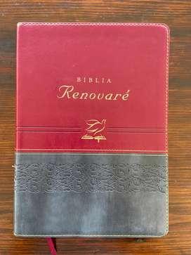 Biblia cristiana disponible hay diferentes modelos y precios