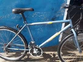 Vendo bici rodado 26 con 18 cambios