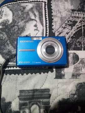 Se vende cámara olympus