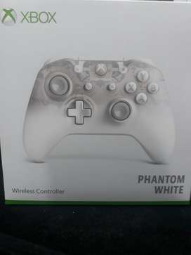 Control Phantom White Xbox One