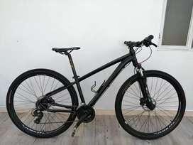 Vendo bicicleta mtb rin 29 frenos hidráulico shimano