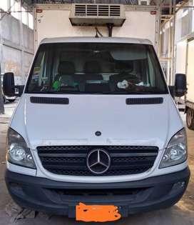 Vendo Mercedes Benz Sprinter 515 Chasis. Caja termica. Puerta lateral. Equipo de frio