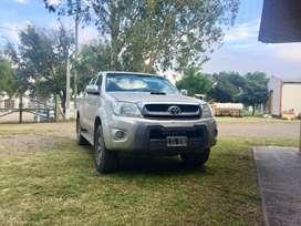 Toyota Hilux 4x4 srv cuero AT