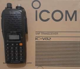 Radio icom v 82