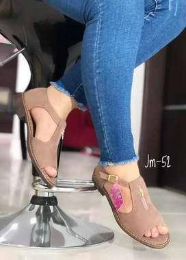 Sandalias plana de dama auténtica