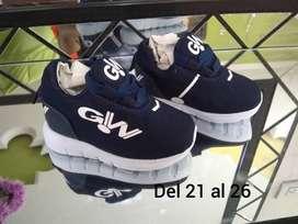 Zapatos deportivos para niños y niñas