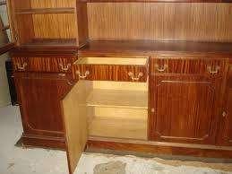 cristalero ingles con estantes, cajones y puertas vidriadas