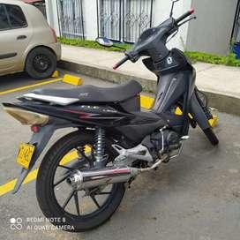 Moto AKT flex excelente estado