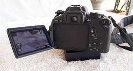 vendo camara profesional de fotos CANON REBEL EOS T3i 600D