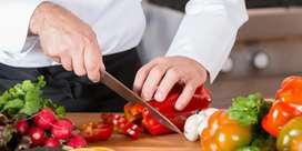 Estoy en busca de un empleo de Ayudante de Cocina o limpieza.
