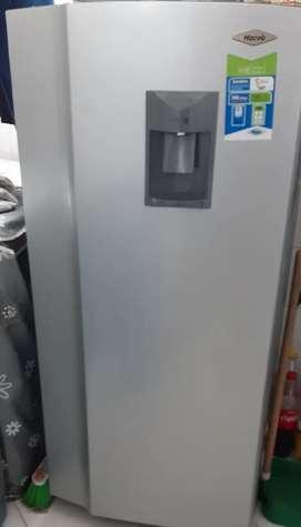 Nevera Haceb 245 litros con dispensador