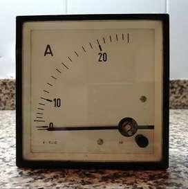 Amperímetro 96 mm de hierro móvil  25 A  CA  Clase 1.5